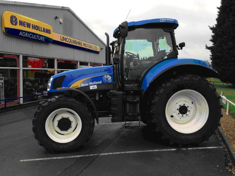 NEW HOLLAND 6050 RANGE COMMAND